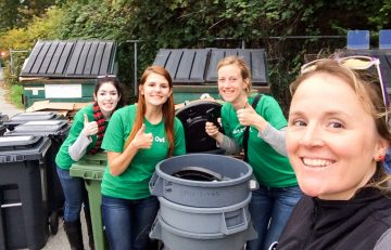 Zero waste volunteers drastically reduce contamination at the UBC Apple Festival